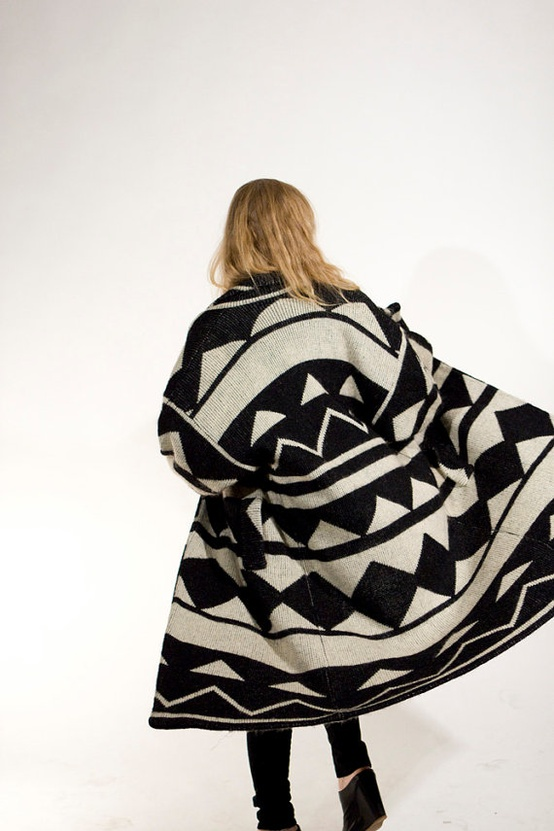 vintage-geometric-sweatercoat-black