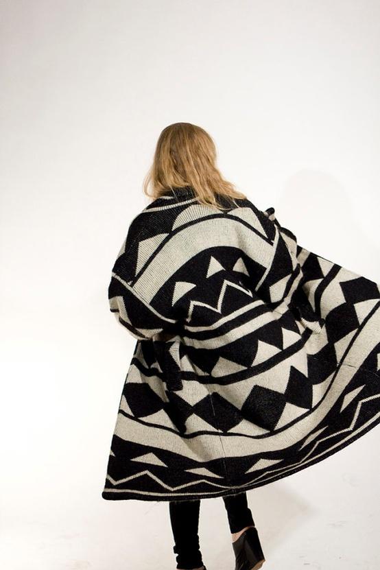 vintage-geometric-sweatercoat-black